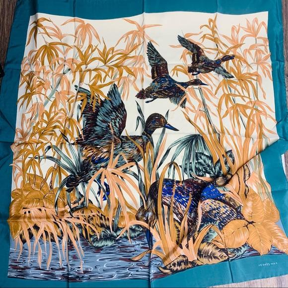 Hermès Paris Silk Scarf READ DESCRIPTION
